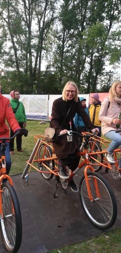 Hanna Anfelter på cykel Future2festival Hamburg