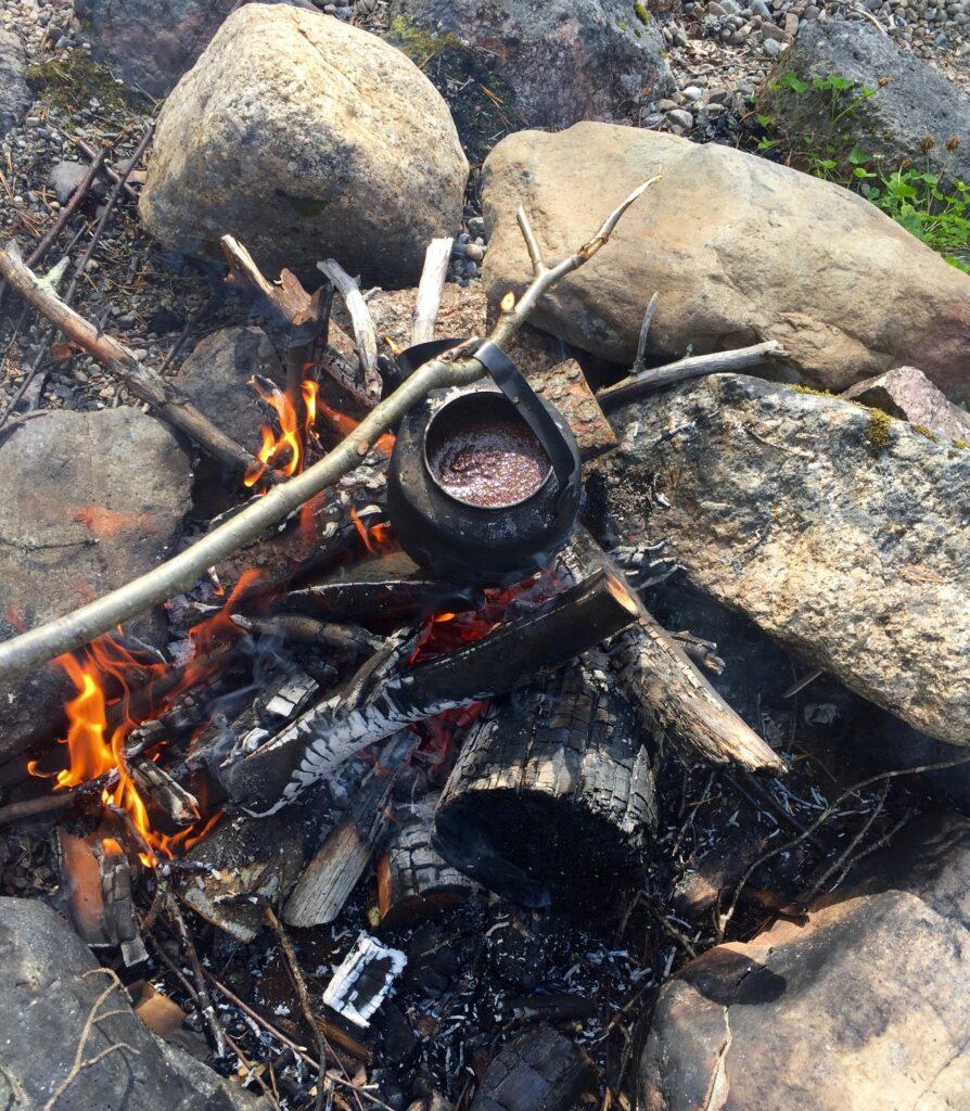 Kokkaffe över elden