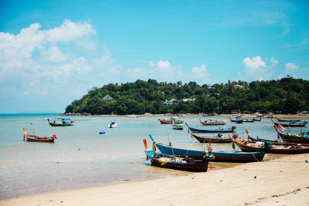 Båtar Thailand
