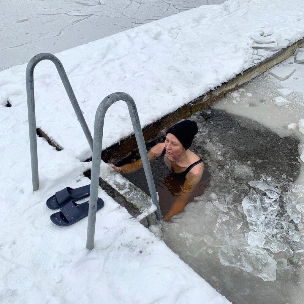 Kallbad trenden att bada i kallt vatten