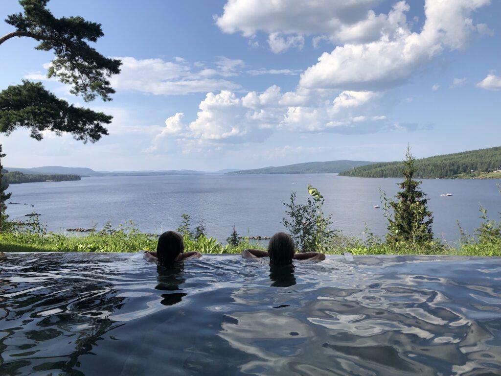 Orbaden spa infinity pool
